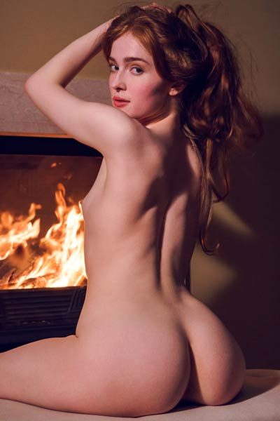 Model Jia Lissa in Evening Alone 1