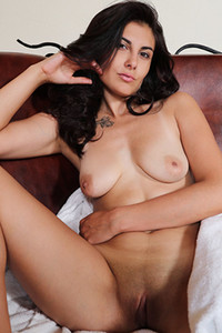 Model Remira Rivas in Wet and Desirable 2
